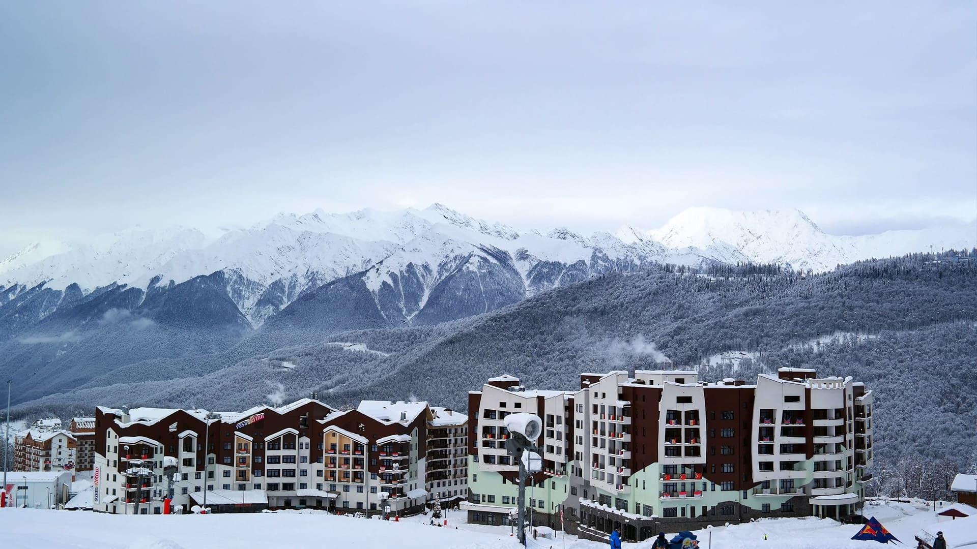 Горная олимпийская деревня зима 12