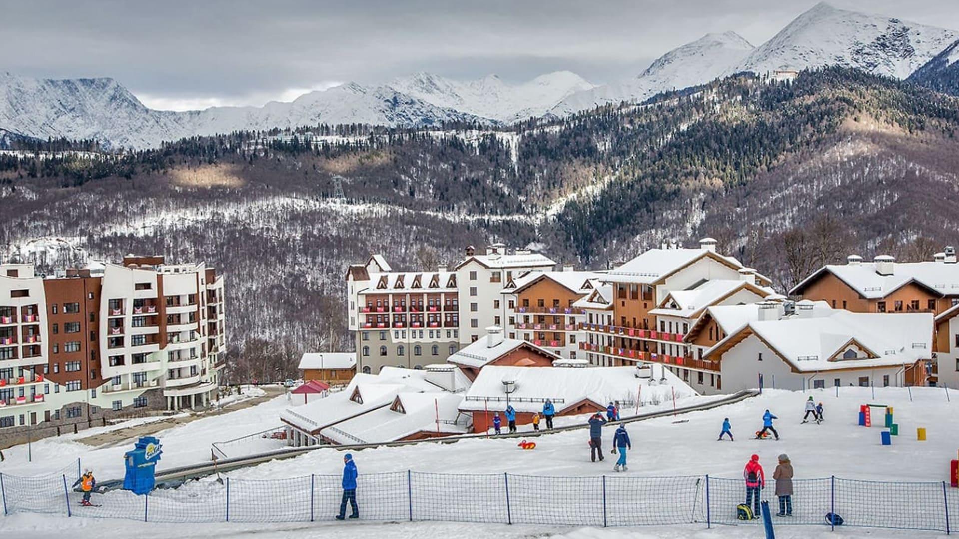 Горная олимпийская деревня зима 13