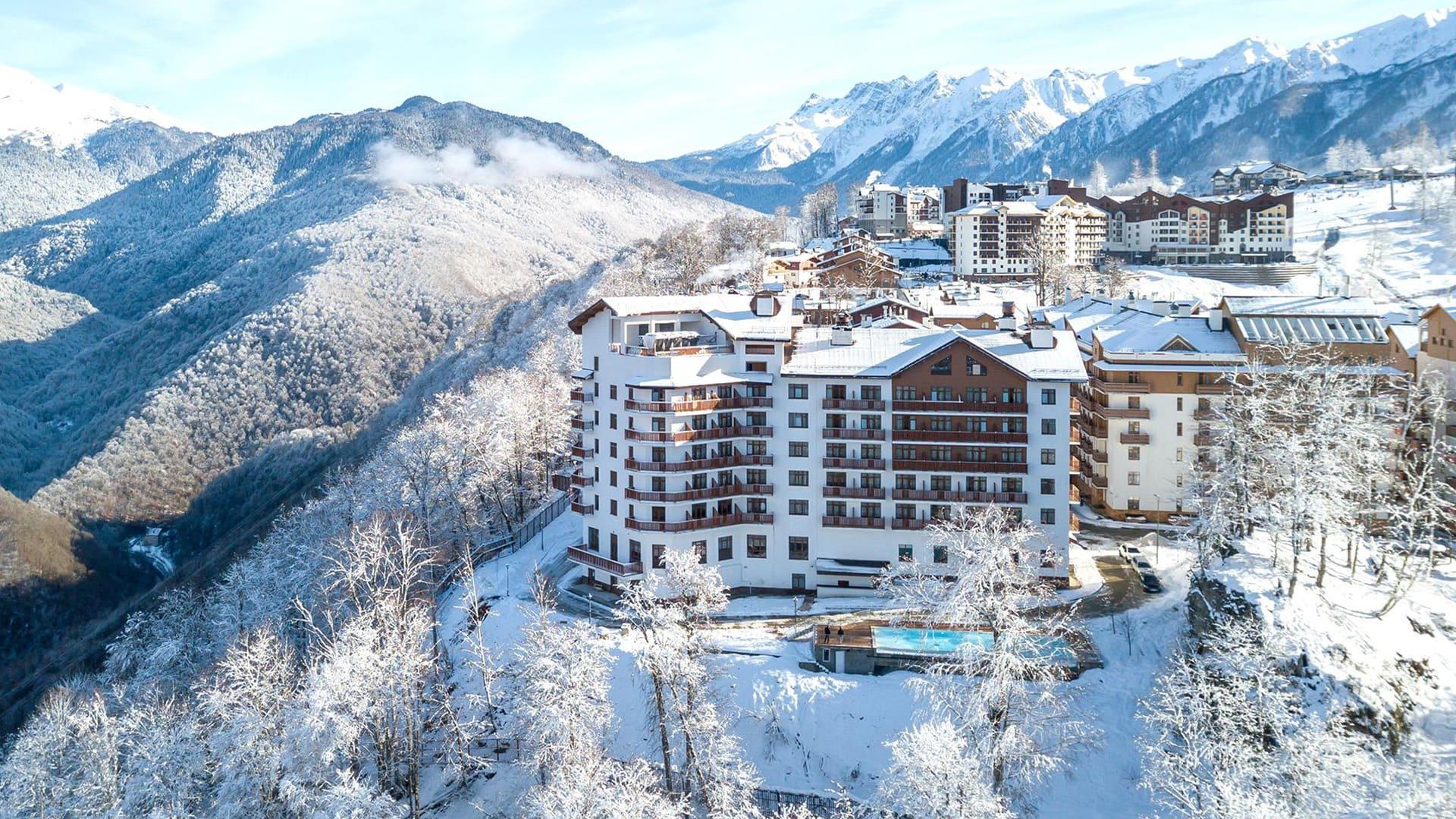 Горная олимпийская деревня зима 24