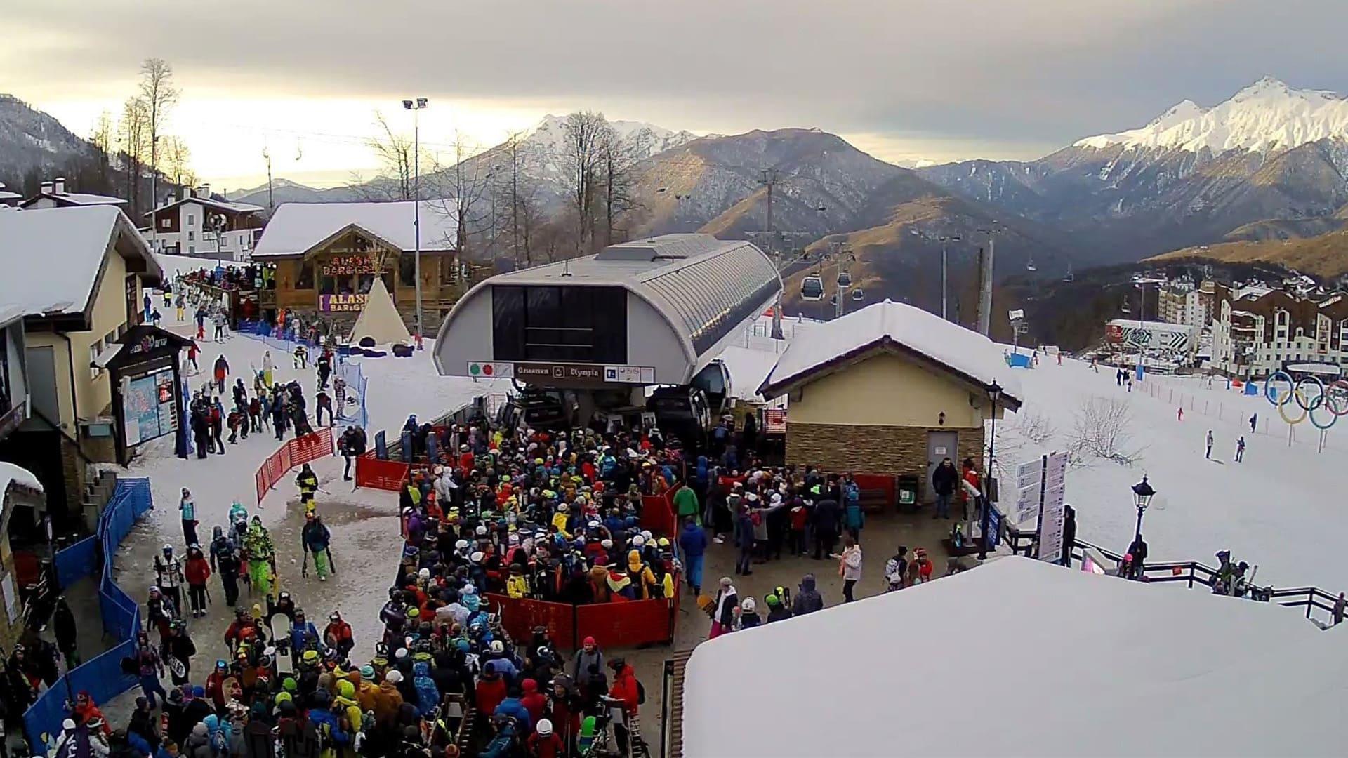 Горная олимпийская деревня зима 8